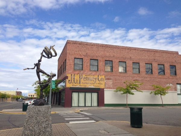 Art lives on in downtown Kennewick!